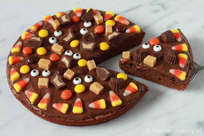 brownie-halloween-pizza