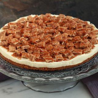 Monchoutaart met salted caramel en stroopwafels