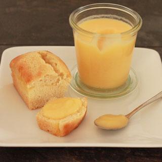 kleine cakejes gevuld met lemon curd