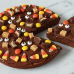 Brownie Halloween Pizza