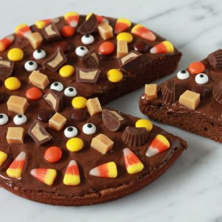 brownie-halloween-pizza