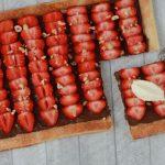 Plaattaart met nutella en aardbeien