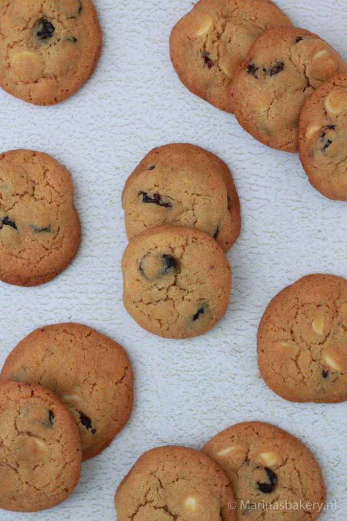 American-Cookies-met-witte-chocolade-en-cranberry's