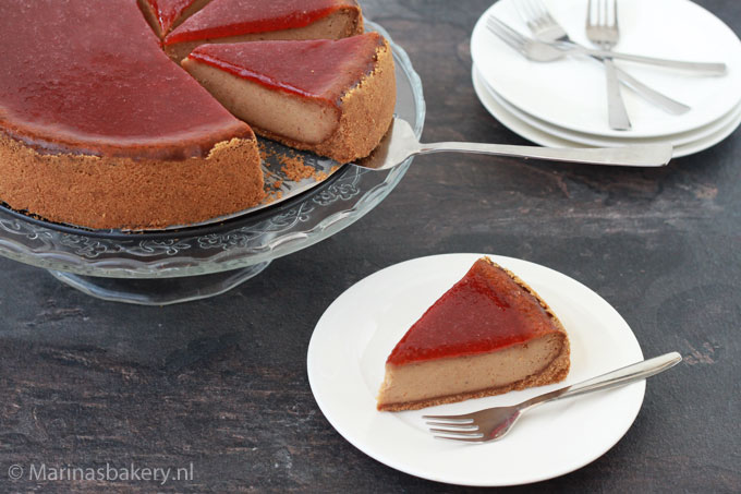 Pindakaas-cheesecake-met-jamtopping