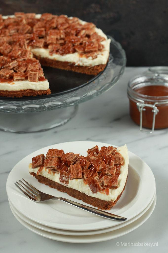 Monchoutaart-met-salted-caramel-en-stroopwafels