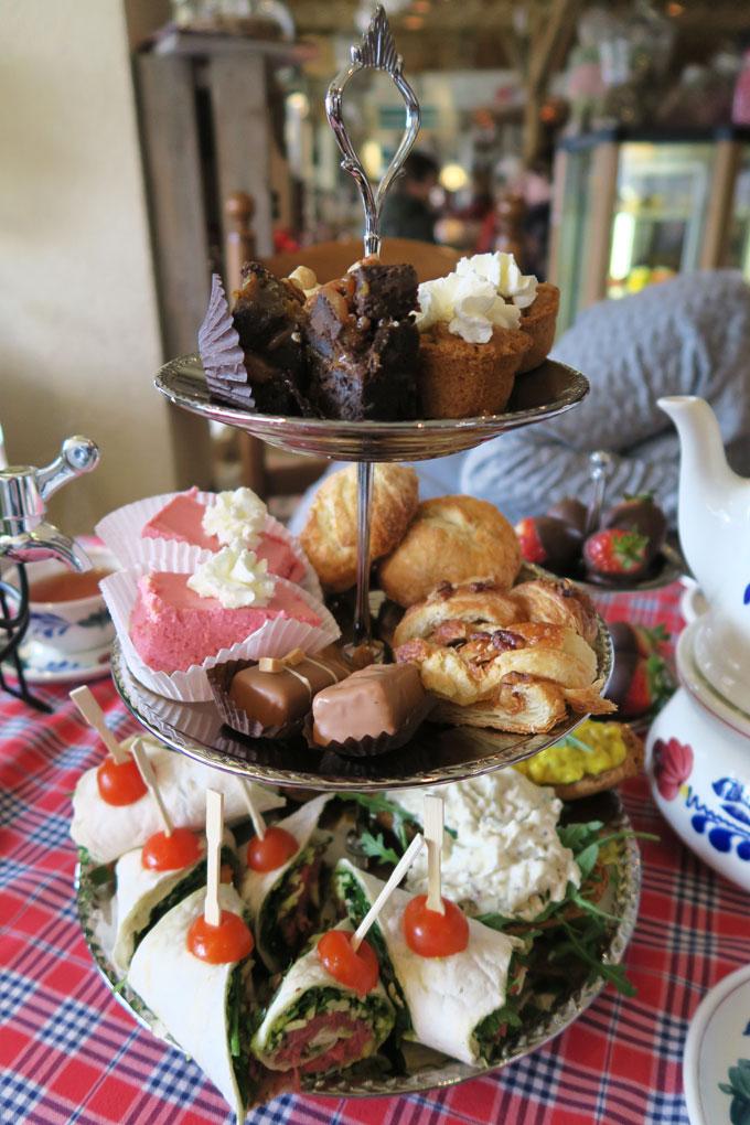 High-Tea-bij-Chocolaterie-'Zoete-Lekkernij'-in-Voorschoten
