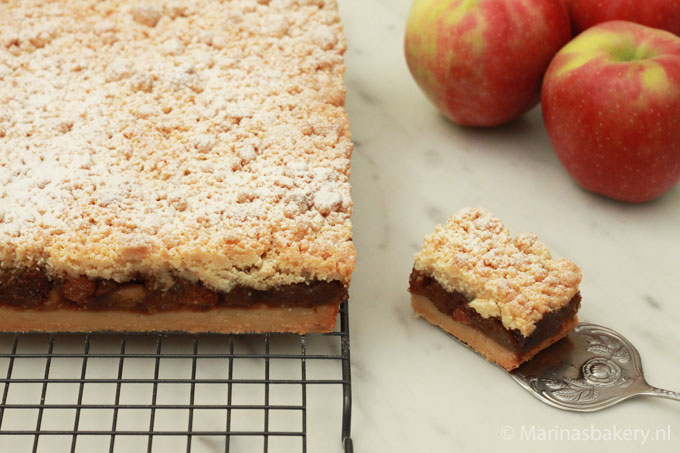 Apple-Crumble-Bars